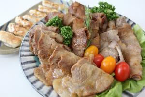 自社豚肉を使った料理